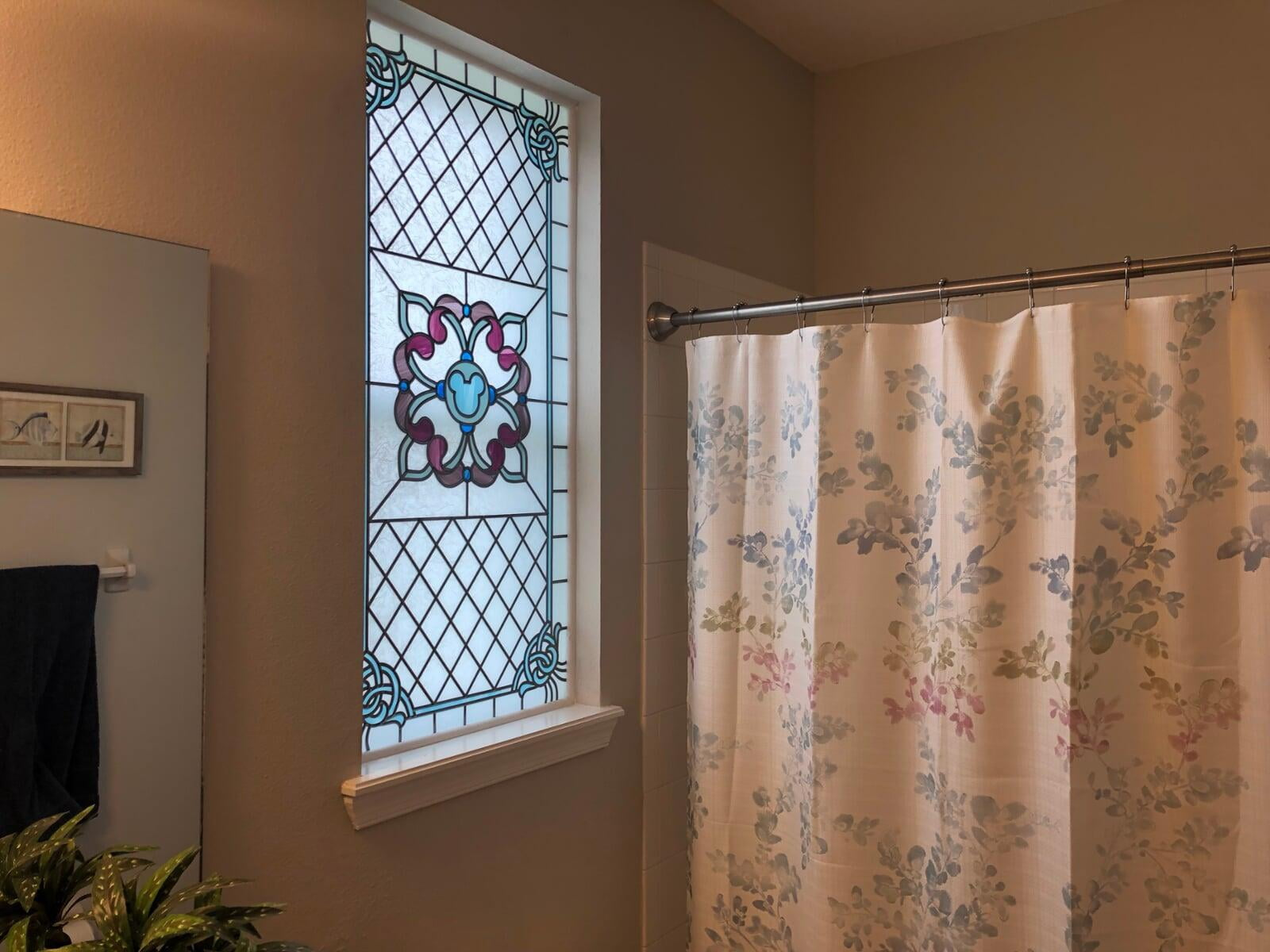 Contemporary bathroom window in decorative glass